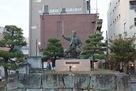柴田勝家銅像