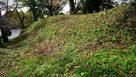 月岡神社側の土塁