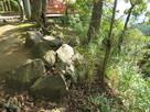 本丸の石積と切岸