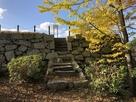 天守台への石段…