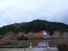 出石城と有子山城遠景…