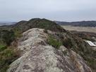 東櫓(東山頂)への第1山頂からのルート…
