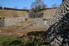 玉石垣と入口の階段…
