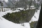 本丸と二の丸の間の土橋石垣…