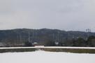 雪の本丸と白鳥城遠景