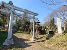 舘阯碑と東別府神社鳥居…