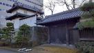 移築復元された乾櫓と東門…