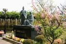細川忠興と玉(ガラシャ)の像…