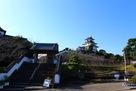 掛川城入口から…