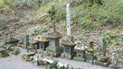 城主穴山氏の墓…