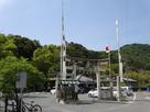 三輪神社と城跡遠景…