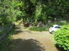 登城口と駐車スペース…