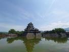 逆さ富士ならぬ逆さ松本城