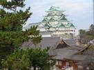 東南隅櫓から見た天守と本丸御殿