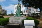 戦災復興記念像(天女の像)…