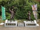 徳川家康像と幼き日の豊臣秀吉像…