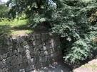 埋門石垣から天守台の眺め