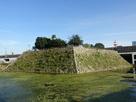 天守台と水堀
