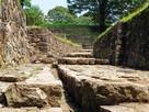 三の丸石垣(排水溝)…