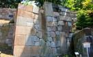 玉泉院丸庭園の石垣…