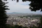 彦根城を見下ろす…