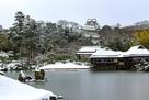 玄宮園雪景色