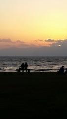 琵琶湖と夕陽と恋人たち?…