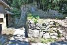 妙見神社裏側石垣…