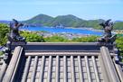小鳴門海峡方面と、模擬小天守の屋根…