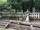 吉川元春と長男元長の墓…