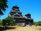 青空の下の熊本城…