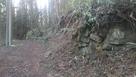 登城路途中の石積…