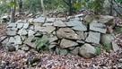 大岩下の石積
