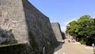 歓會門下の石垣…