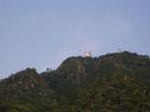 見上げる岐阜城…