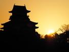 犬山城と日の出…