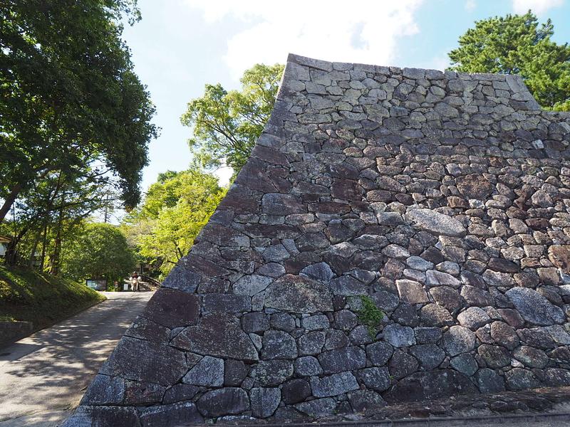 隠居丸石垣