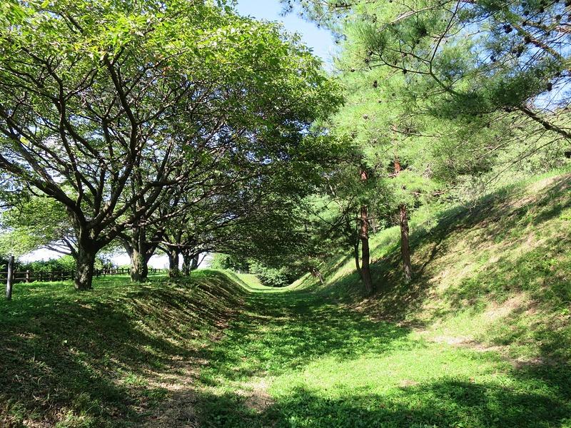 土塁と空堀