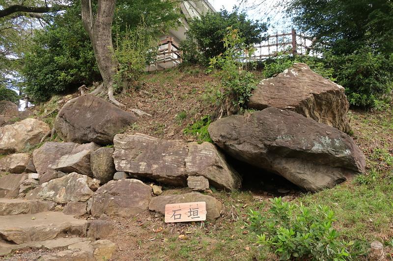 主郭直下の石垣