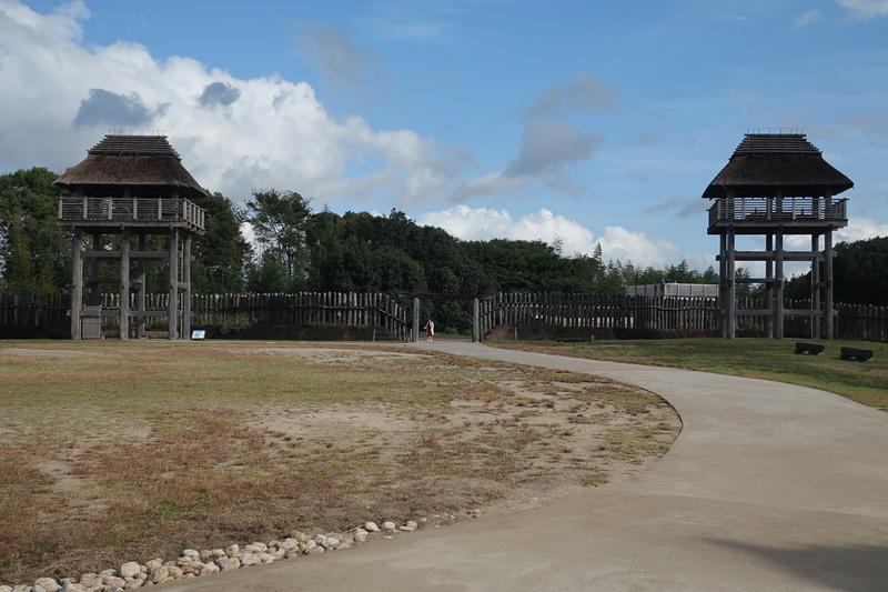 南内郭の門と物見櫓