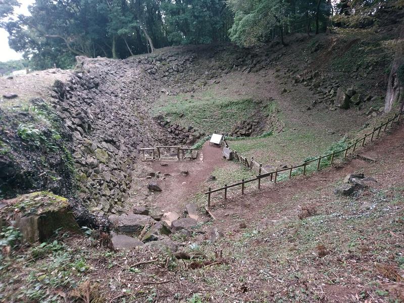 石垣山城の井戸曲輪の石垣