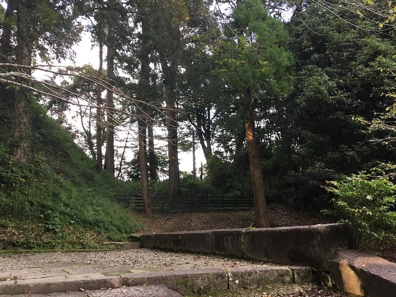 旧本丸東側の堀切