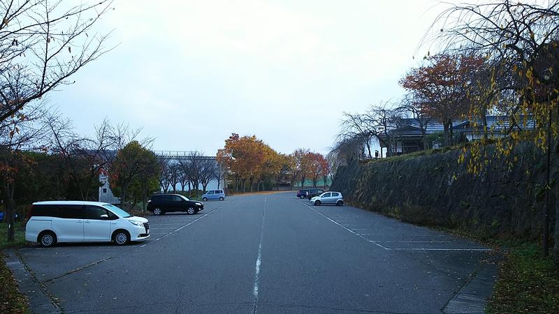 駐車場(36.856611,138.365048)