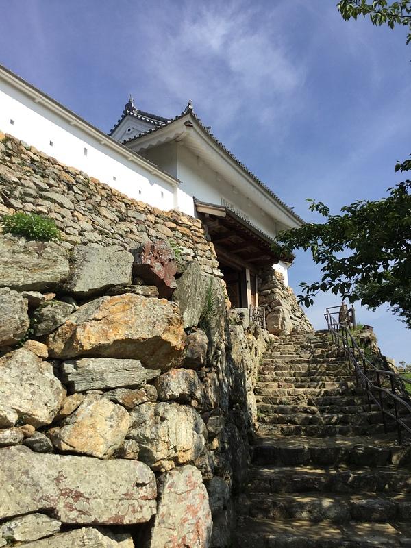 天守門と石垣
