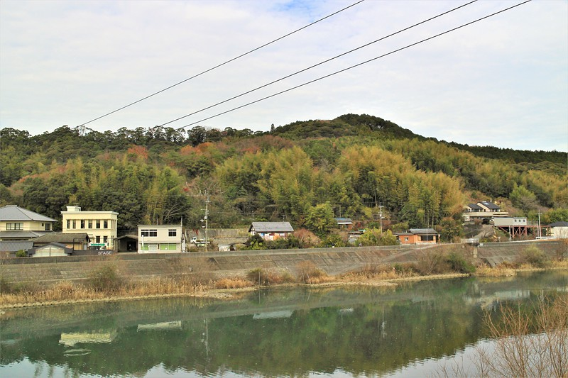 布師田金山城全景(南側)