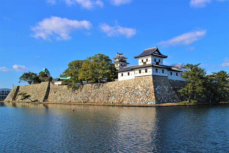 南隅櫓跡・月見櫓跡・模擬天守・御金櫓(南東側)