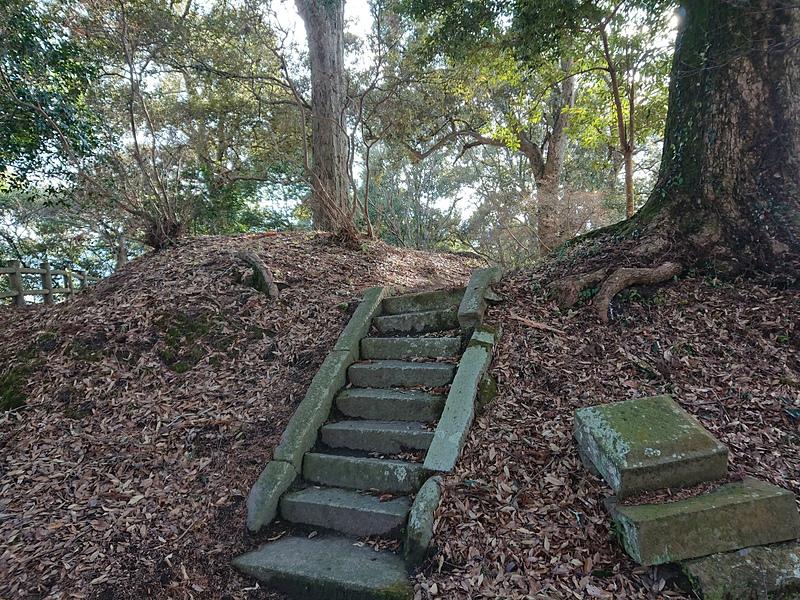 本丸櫓台(山頂)
