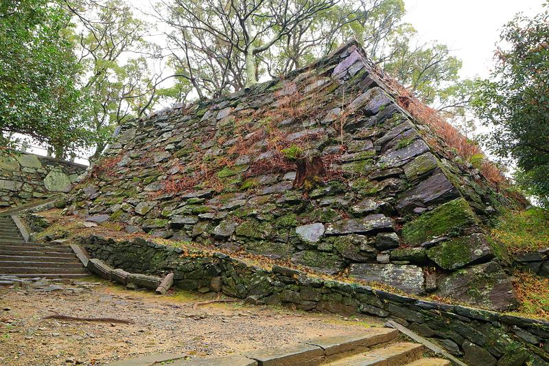 冬の弓櫓跡石垣(1)