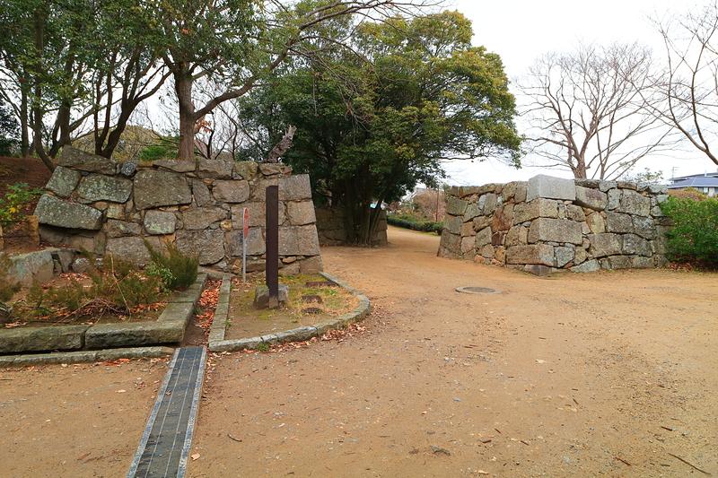 真ノ門跡石垣を内側から
