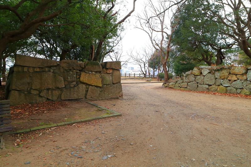 方ノ門跡石垣(二の丸と東の丸の間)